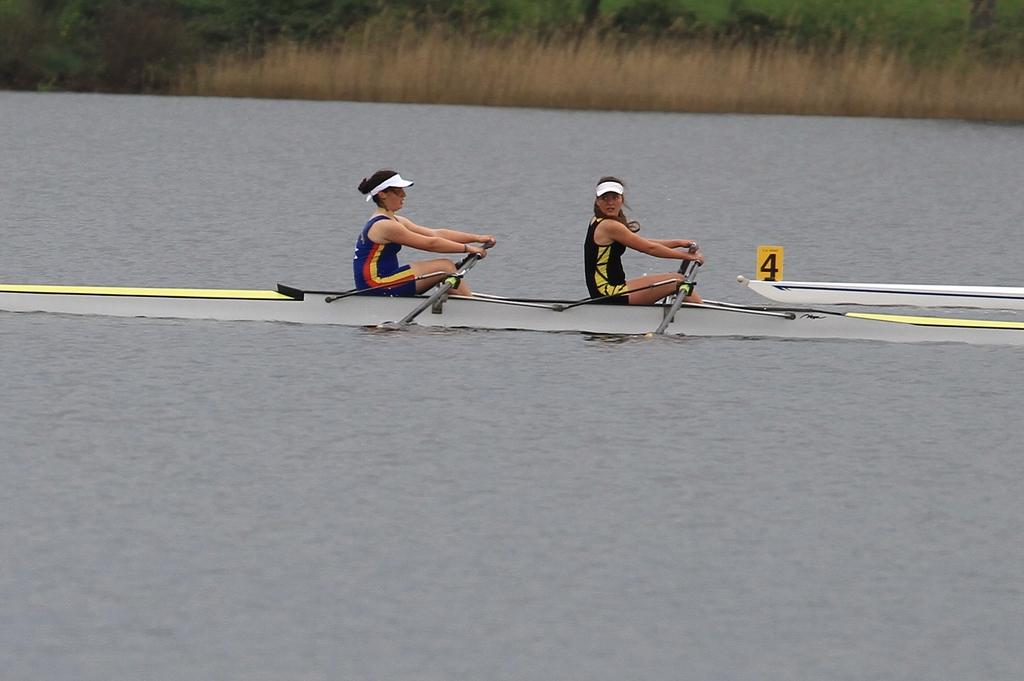 Le double junior fille avec Camille et Stéphanie, victorieuse sur 1000 et 2000m